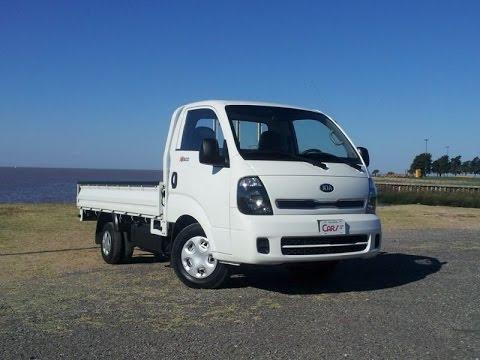 CarsTV Test drive  al Camión Kia K-2500 |  Nueva Toyota Hilux 14/06/15