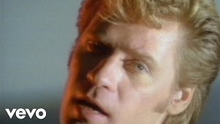 Download Daryl Hall & John Oates - Maneater (Official Music Video) Mp3 and Videos