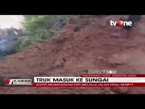 Detik-detik Truk Tronton Masuk Jurang dan Terseret Arus Sungai di Mandailing Natal