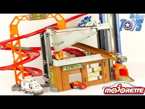 Stunt Heroes Garage Crash Center Stunt Accident McQueenToy Review Majorette Fastlane Hot Wheels