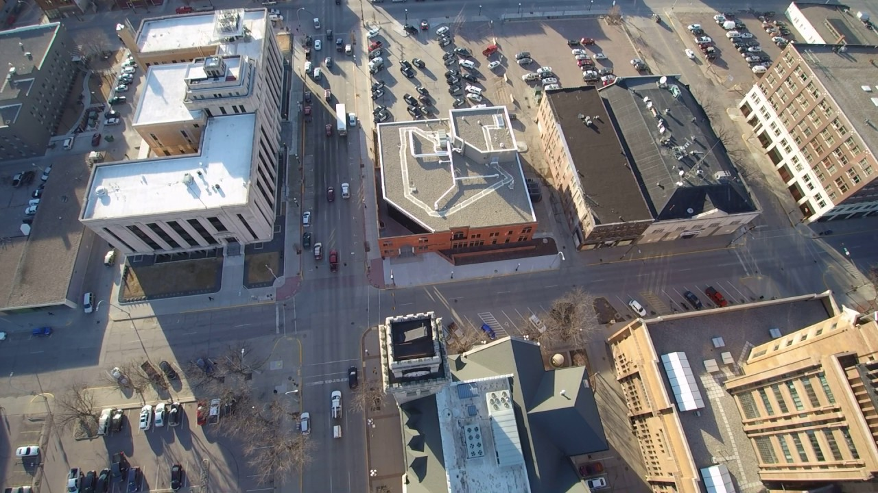 Sioux City Iowa Downtown Weather Ball Clock Tower Chroma Drone Youtube