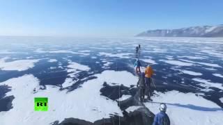 На велосипеде по замёрзшему озеру  на Байкале завершилась гонка «Ледовый шторм»