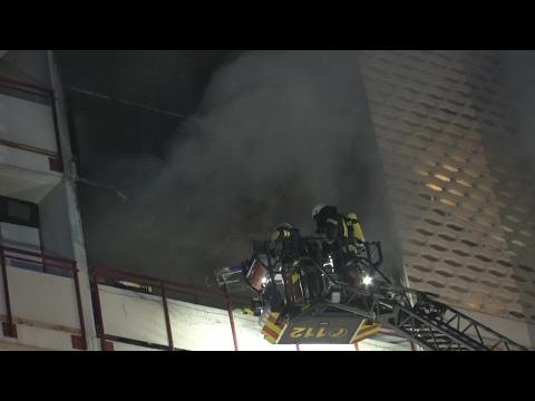 Wohnungsbrand - 1 Toter - 2 Verletzte Feuerwehrleute in Sankt Augustin-Menden am 02.02.17 + O-Ton