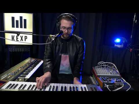 HÆLOS - Dust (Live on KEXP)