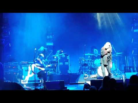 Babe, I'm gonna leave you .. Robert Plant and the Sensational Spaceshifters 3/09/16
