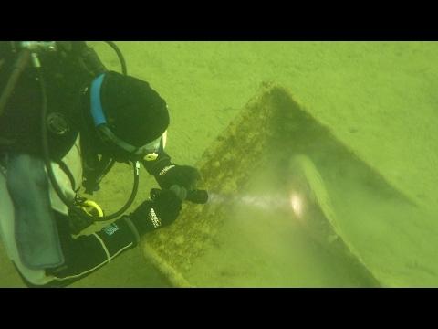 Valley Pool Underwater - Carp Fishing