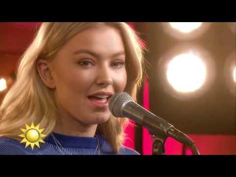 """Astrid S - """"Breathe"""" - Nyhetsmorgon (TV4)"""