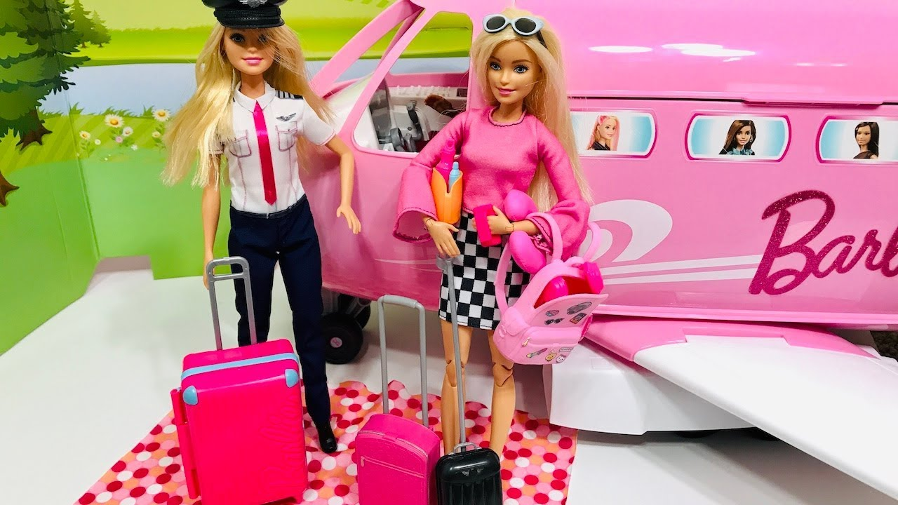 Barbie Airplane Travel! Barbie scared of flying! Part 1