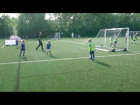 Radek S 7 lat nowy Lewandowski Football Academy London Barnet. 2017