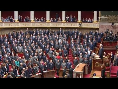 French parliament spontaneously breaks into national anthem in honour of attack victims - no comment