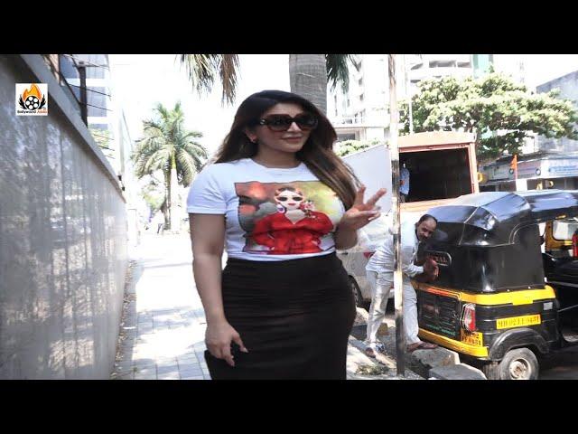 Shama Sikander Arrives At Lokhandwala Complex Andheri