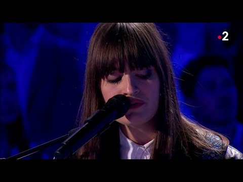 """Clara Luciani Interprète En Live """"La Grenade"""" #ONPC"""