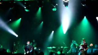 Manic Street Preachers - La Tristesse Durera(Scream To A Sigh). Live at O2 Academy Birmingham