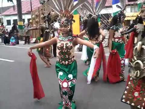 World day dance 2016 at Palangkaraya, central Borneo