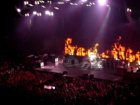 """""""Know Your Enemy"""" - Green Day (live @ Boston TD Banknorth Garden 7/20/09)"""