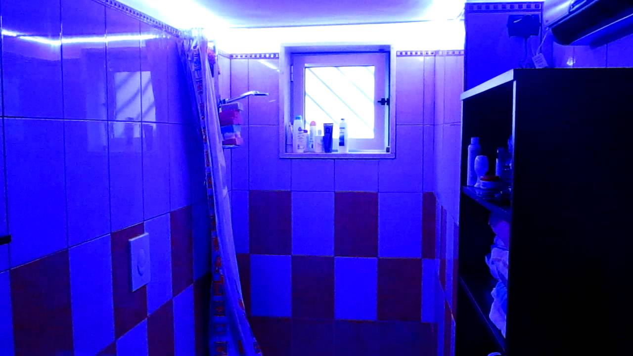 Strip led in the bathroom rgb smd 5050 youtube for Bathroom led strip lights