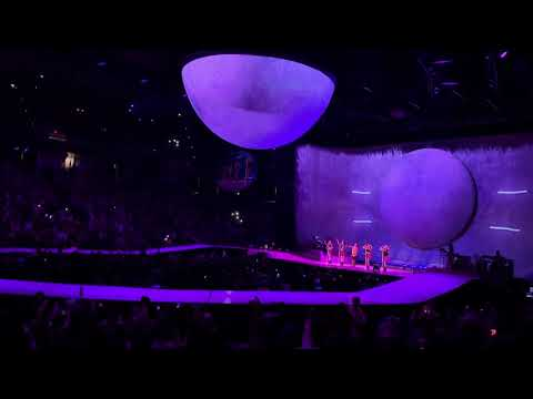 ARIANA GRANDE   Thank U, Next / Finale [Live At Albany Sweetener World Tour 2019]