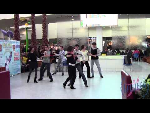 Видео: Флеш-моб  Heart Skips A Beat. ТК Бродвей. Красноярск