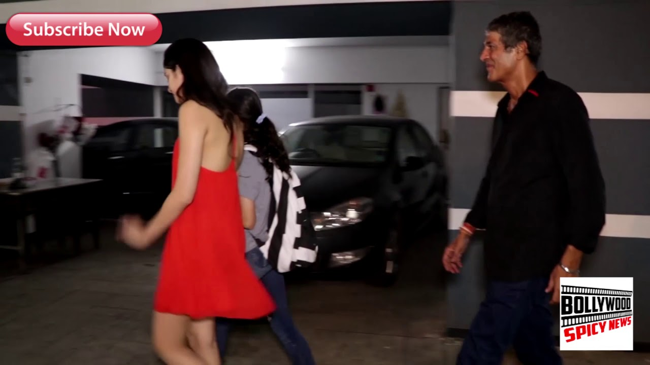 Adorbale Ananya Pandey With Father Chunky Pandey At Sanjay Kapoor B'dae Bash