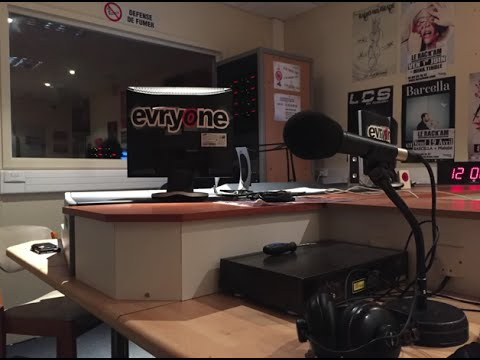 Interview magicien Fred Ericksen sur l'antenne de la radio Evry One