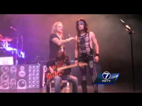 11-Year-old 'out-duels' metal guitarist