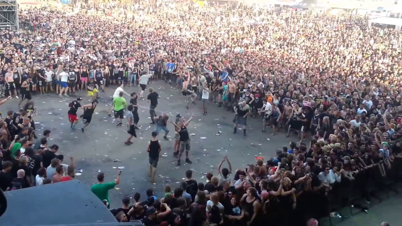 Wall of Death (EXTREME) - Callejon - With Full Force 2014 ...