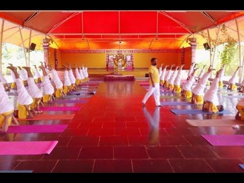 sivananda-yoga-vedanta-meenakshi-ashram,-madurai,-india---teachers-training-course