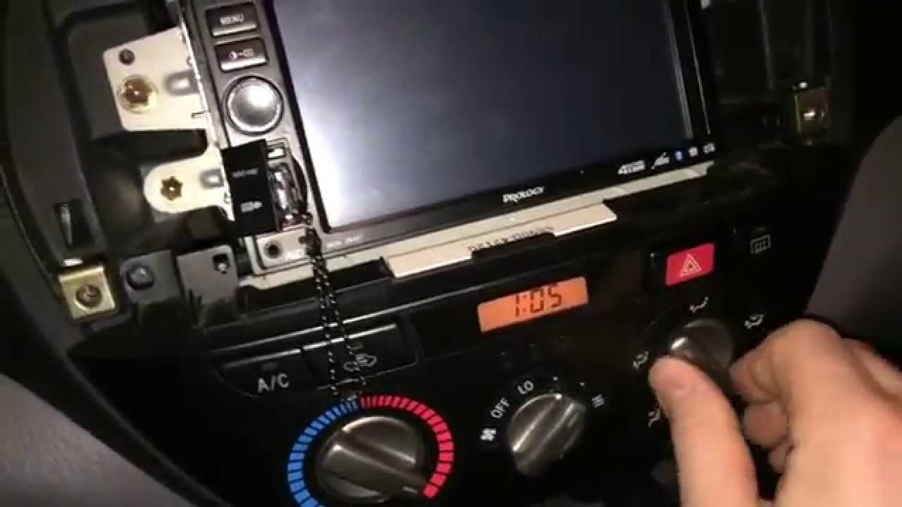 toyota rav4 2 как разобрать панель отопителя