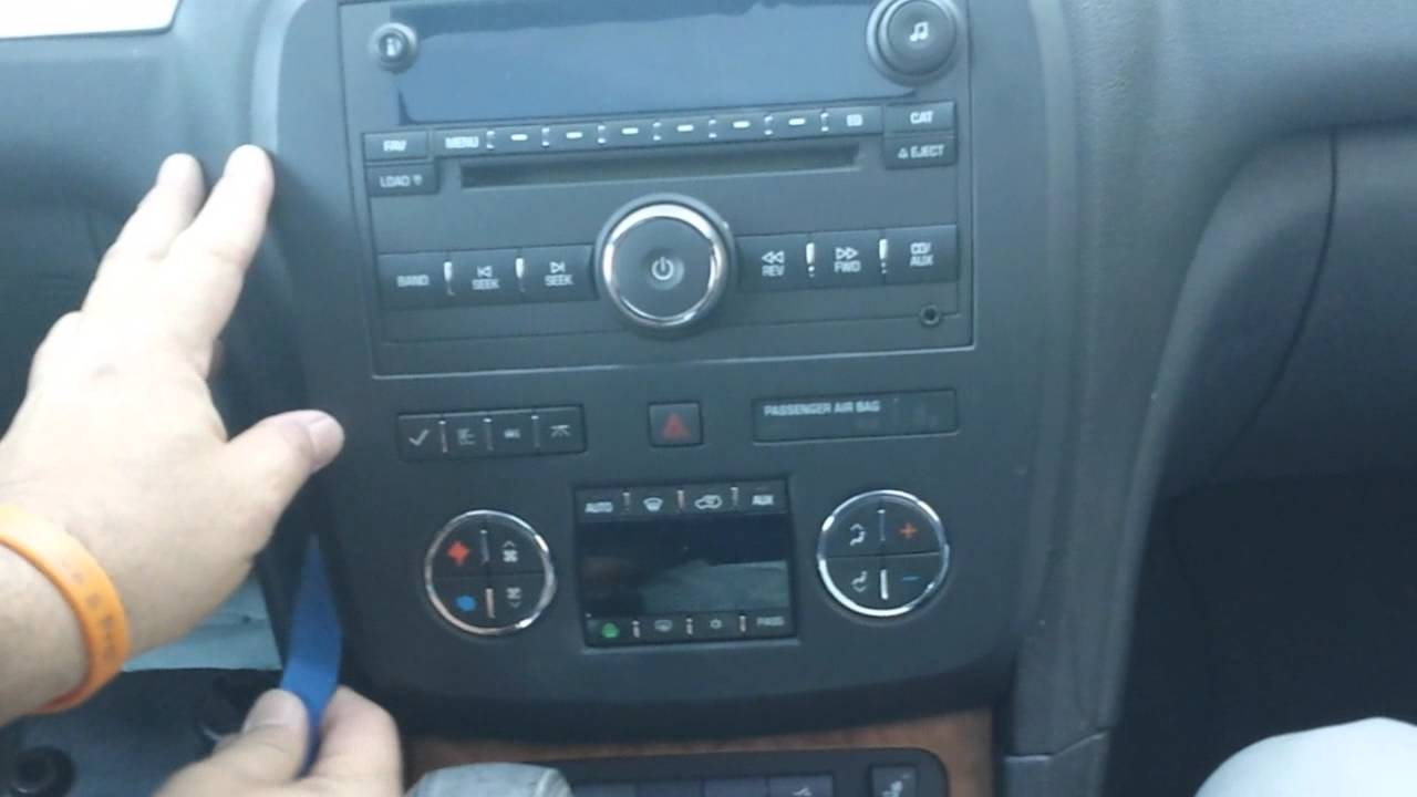 2011 Buick Enclave Fuse Box How To Remove Radio Cd Changer From Buick Enclave 2008 For