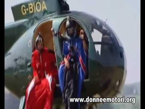 Uomo Si Lancia Senza Paracadute Da 800 Metri.wmv