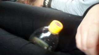 девушка дрочит бутылку 2