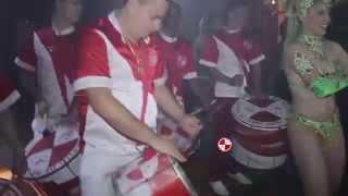 Bateria de Escola de Samba Contagia Festa de Casamento Espaço Aragon