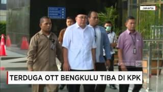 Download lagu Gubernur Bengkulu dan Istri Dibawa KPK MP3