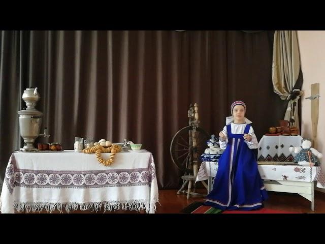 Изображение предпросмотра прочтения – ЕкатеринаТурсукова читает произведение «Бабушкины сказки» С.А.Есенина