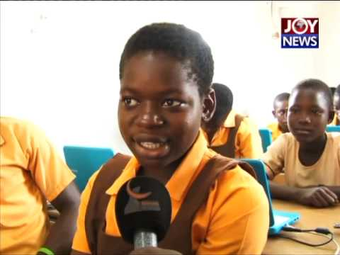 ICT LESSON AT DAGO L/A JHS - GHANA