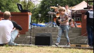 red smoke festival 2015 - personal insult 02