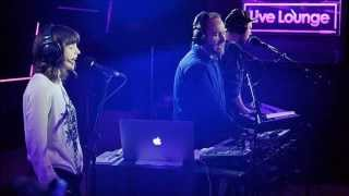 CHVRCHES - Stay Another Day (track only, Live Lounge)