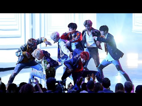 BTS Makes U.S. Television Debut in Epic American Music Awards Performance of 'DNA'