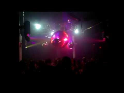 Vernessa Mitchell - Troubles (Twilo Demo Mix) + TWILO PHOTOS