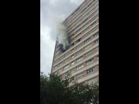 Incendie dans un appartement l 39 hay les roses youtube for Garage renault l hay les roses