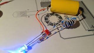 Экономичный светодиодный фонарик на одной батарейке(Фонарик с питанием от одной батарейки На видео показана работа и схема простейшего преобразователя при..., 2016-02-21T21:47:15.000Z)