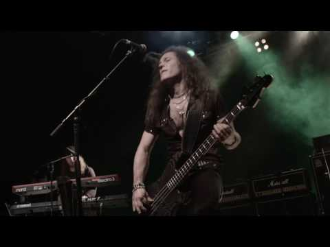 "Treat  ""Papertiger"" Live (Official)"