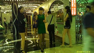 Repeat youtube video Lisboa Girls 15 (澳門葡京酒店小姐 リスボア回遊魚)