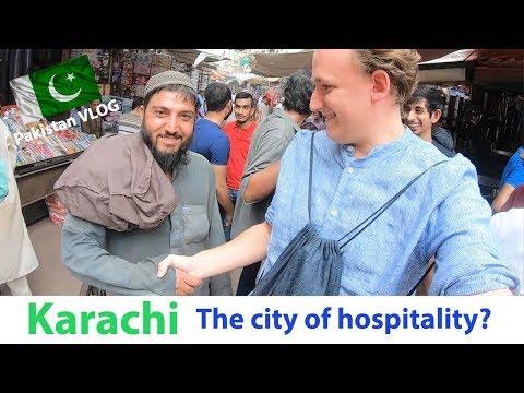 FOREIGNER experiencing HOSPITALITY of PAKISTAN in Jodia Bazar, Karachi [Pakistan Travel VLOG #4]