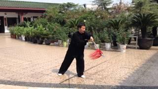 吳式太極拳. Wu style Taiji Spear. Shanghai. Master Zhou Zhongfu.