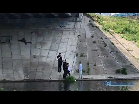 В Твери подростки притащили под мост девушку без сознания