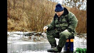 Дед делится знаниями о зимней рыбалки!