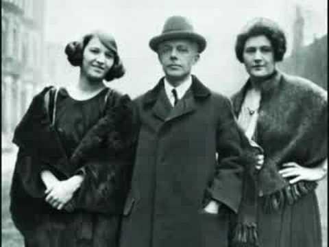 Bartók plays 15 Hungarian Peasant Songs No. 7-10, 12, 14-15