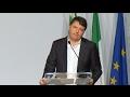 El ex Primer Ministro Mateo Renzi renunció como secretario General del Partido democrático