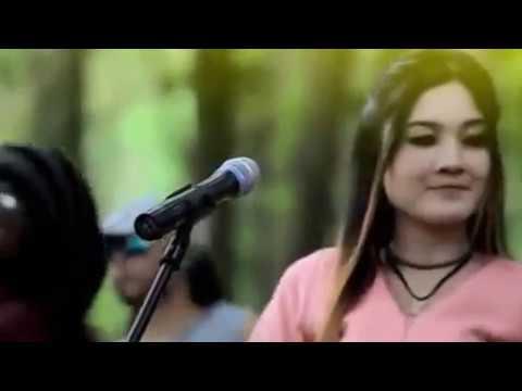 NELLA KARISMA | Bawa Lagu Rege 3 Bikin Baper Malik